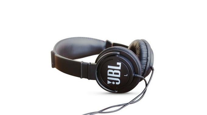 JBL C3000